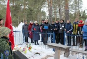 Митинг на могиле Героя И.Д. Вежливцева